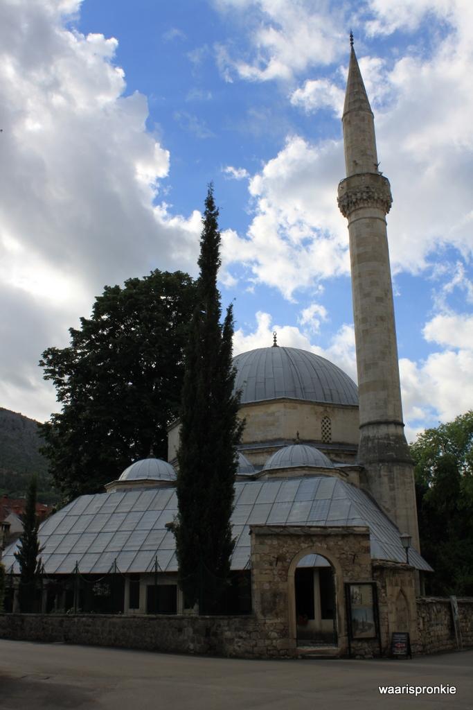 Karadjoz-bey Mosque, Mostar