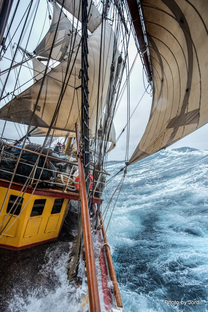 Bark Europa, Strong winds in the Scotia Sea