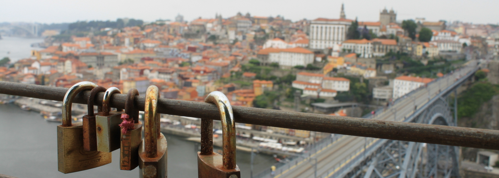 Porto, Cais da Riberia (old town) view from Serra do Pilar