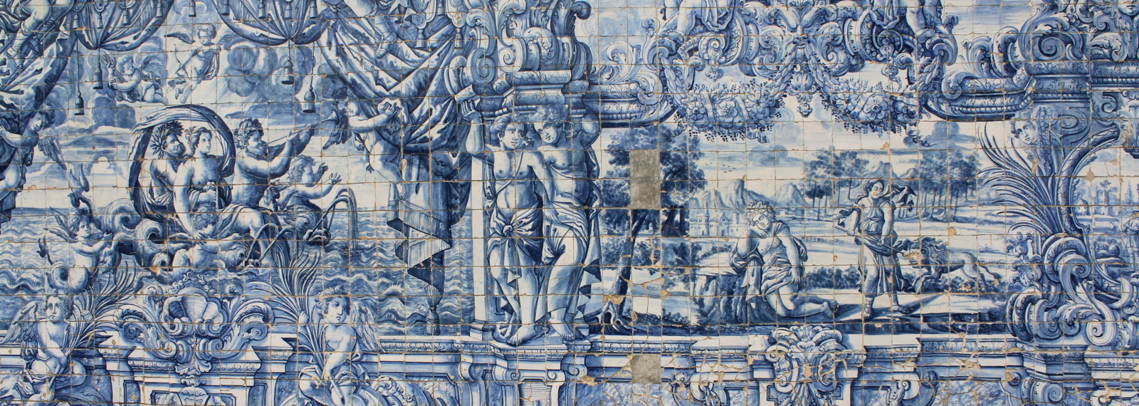 Porto, tiles at the Monastery of Se Cathedral